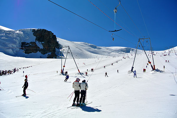 English ski lessons skiing in april may summer italian alps cervinia