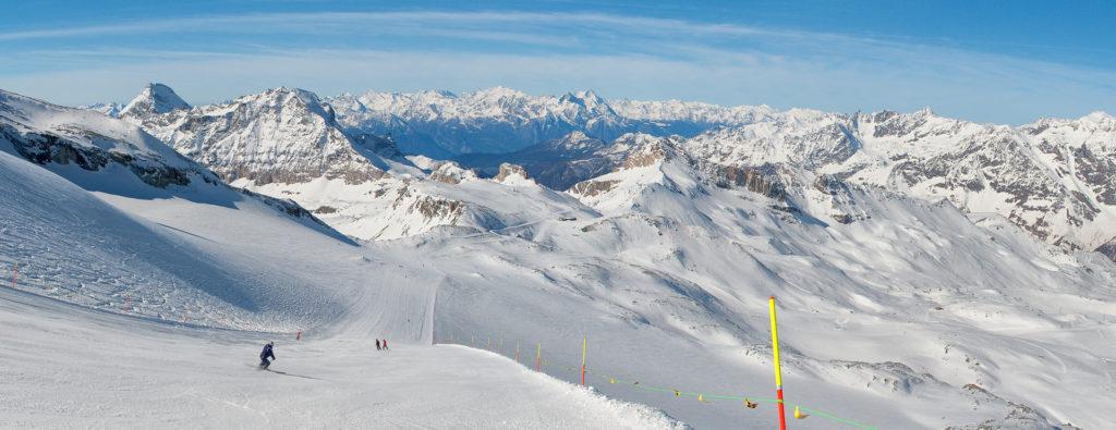 Great ski slope track breuil cervinia italy alps ventina